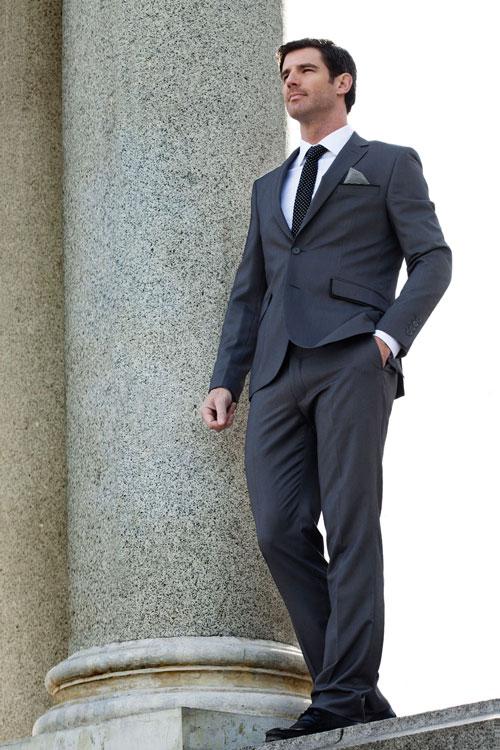 Saber combinar corbata con camisa y traje, normalmente es más sencillo que hacerse el nudo de la misma, pero también es cierto, que debes tener una idea