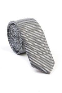 como elegir corbata estrecha