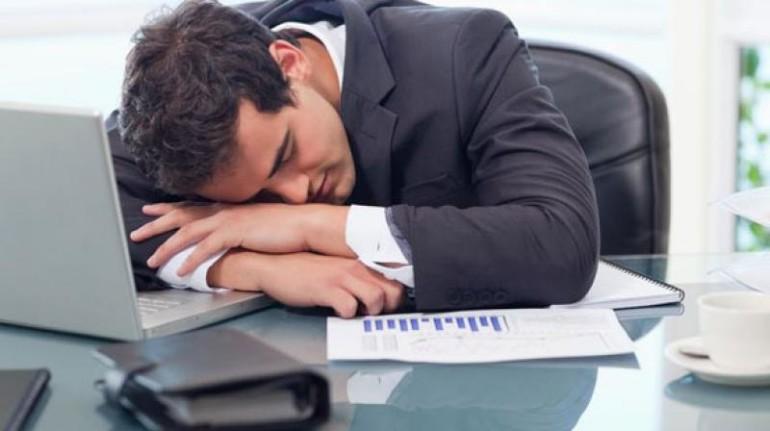 dormirse trabajo dormir oficina nuñez de arenas