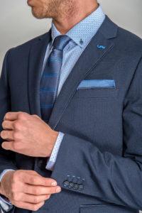 llevar traje perfecto azul